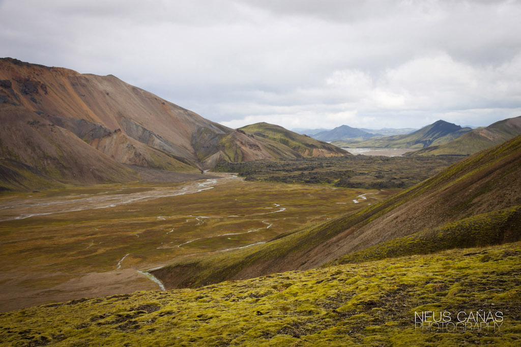 La zona de Landmannalaugar en el interior de las tierras altas es una de lapartes más salvajes e interesantes de Islandia. Foto de ©Neus Cañas.