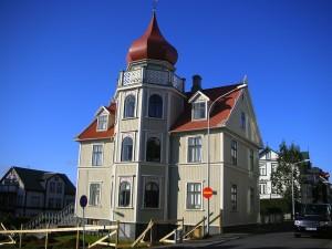 Un ejemplo de las magníficas casas que se encontrarán por el viejo Reikiavík. Foto de malino.