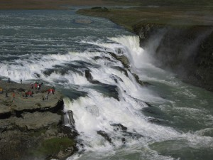 La pequeñez de los seres humanos es evidente en Islandia. Foto Ainri.