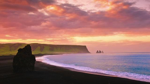 El sol de medianoche en Islandia, una de las grandes atracciones. Foto de Antispecista.