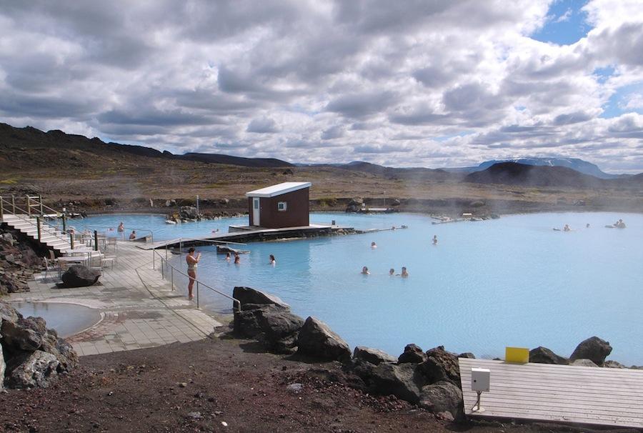 Los manantiales de la zona Myvatn donde pueden darse un buen baño, como en muchos otros lugares de Islandia. ¡No olviden el bañador!. Foto de Evan Doll.