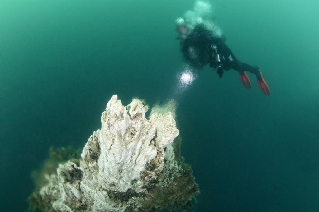 Manantiales geotérmales a sólo 20 metros de profundidad. Únicamante e Islandia.