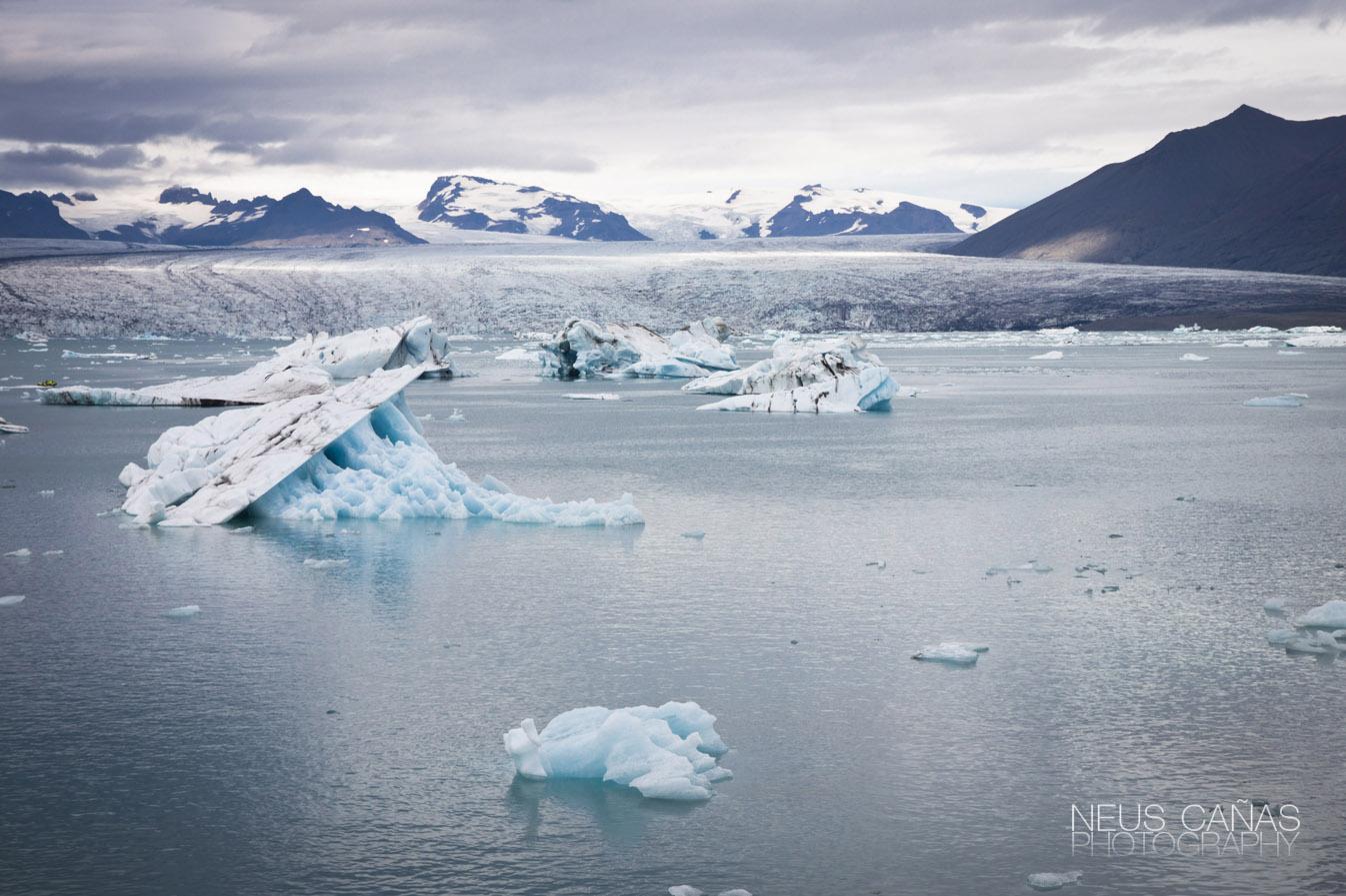Lago glaciar de Jokulsarlon, al sur este de Islandia, un lugar de parada obligatoria. Foto de ©Neus Cañas.