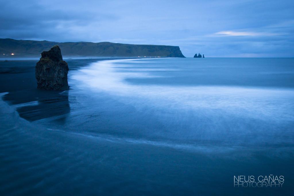Playa de junto a Vik. ©Neus Cañas