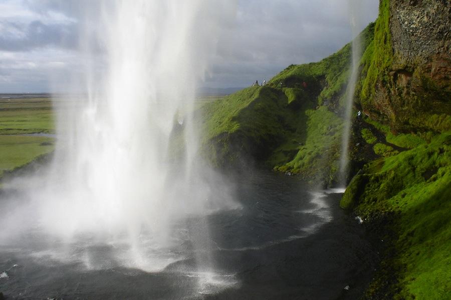 La espléndida cascada de Seljalandsfoss. Foto de Lüar.