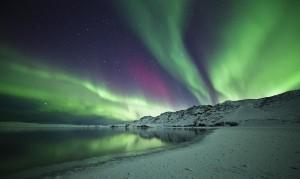 ¿Las auroras boreales serán las reponsables de la locura consumista de Islandia, de la cordura ciudadada? ¿Quién sabe? Foto de Arnar B.Gudjonsson.