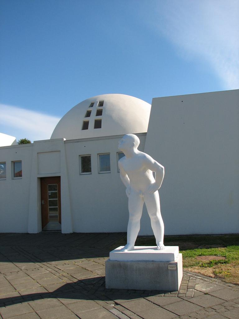 Colección de esculturas de Ásmundur Sveinsson en la que fue su casa y su taller, en el Parque Laugardalur. Foto de STay's stills.