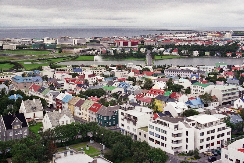 Vista de Reykiavík con sus casas de colores. Foto de Ivaneck.