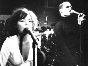 Actuación en directo, con Björk y Einar dirigiendo.