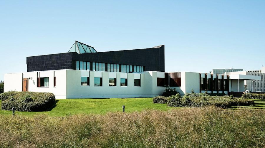 La Casa Nórdica (Nordic House) del arquitecto finlandés Alvar Aalto. Foto de bm_photo.