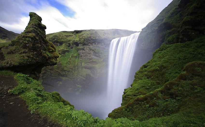 Cascadas en Islandia, naturaleza salvaje
