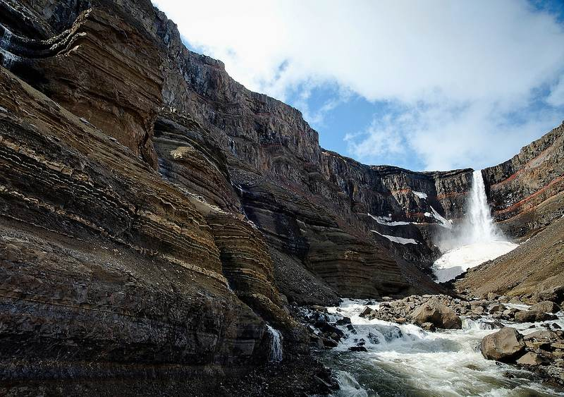 Hengifoss, donde nace el lago de Lagarfljót. Foto de Patrice ANGLADE.