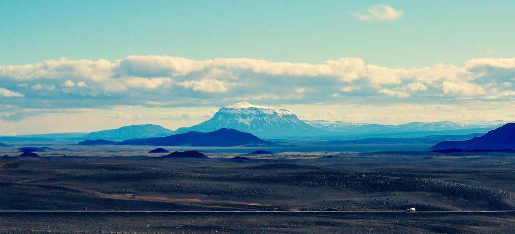 El monte Herdubreid, volcán mítico del centro de Islandia. Foto de Anais M.