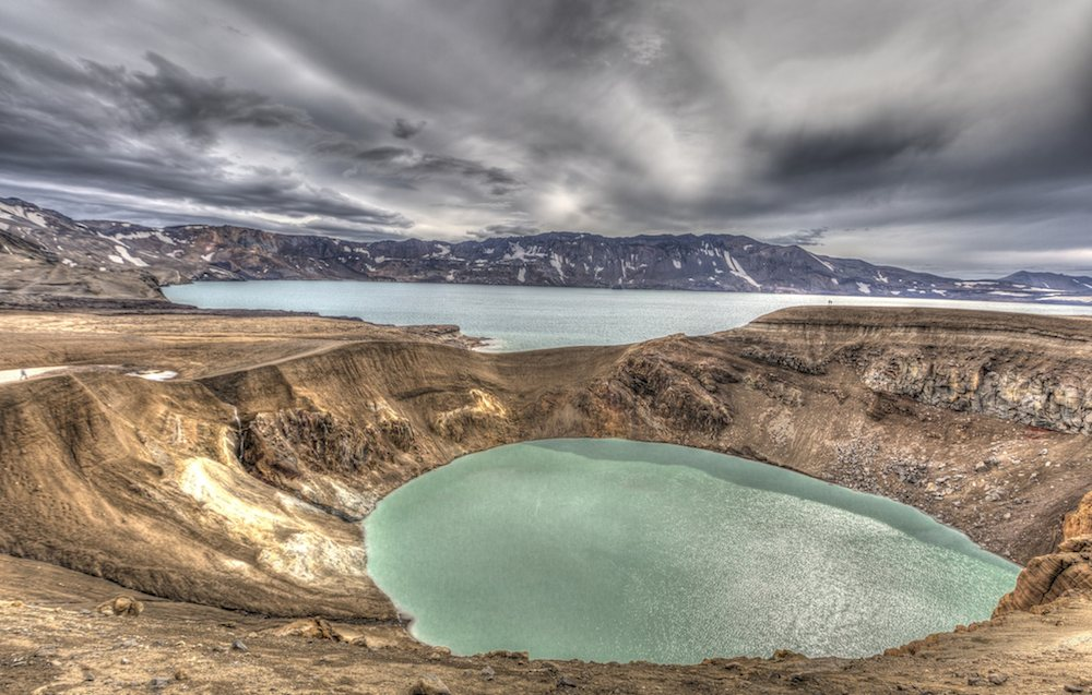 Crater inundado el Viti, una piscina geotérmica en mitad de Islandia.